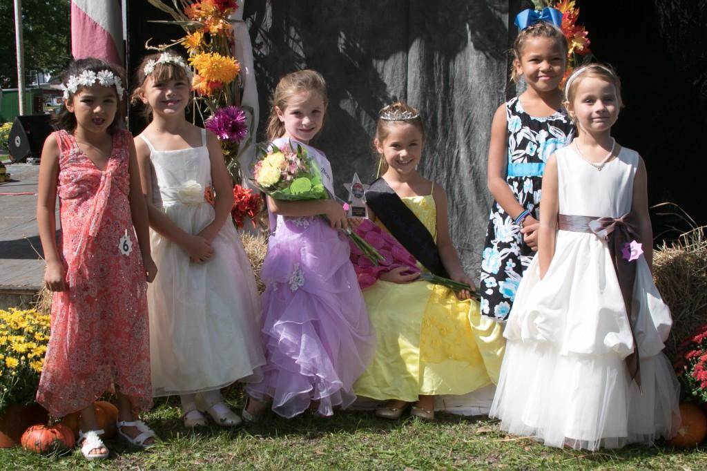 Teeny Contestants